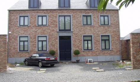 Habitation et Cabinet médical à CHAPELLE LEZ HERLAIMONT